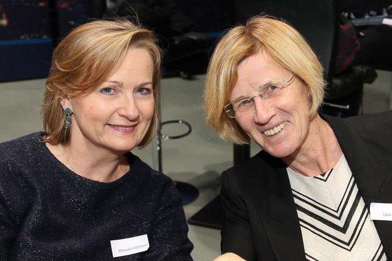 Manuela Vollmann (abz austria) und Lydia Ninz (langjähriges Mitglied des Frauennetzwerk Medien)