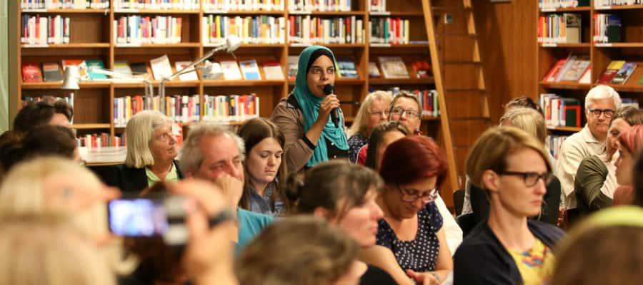Die Journalistin Nermin Ismail spricht über ihre Erfahrungen mit Frauenbildern in den Medien.